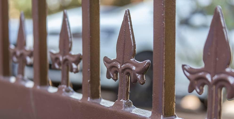 Magnador's swing gates